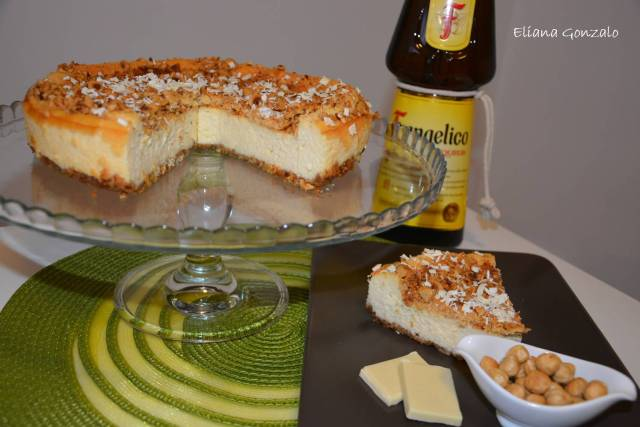 tarta de queso con chocolate blanco y avellanas
