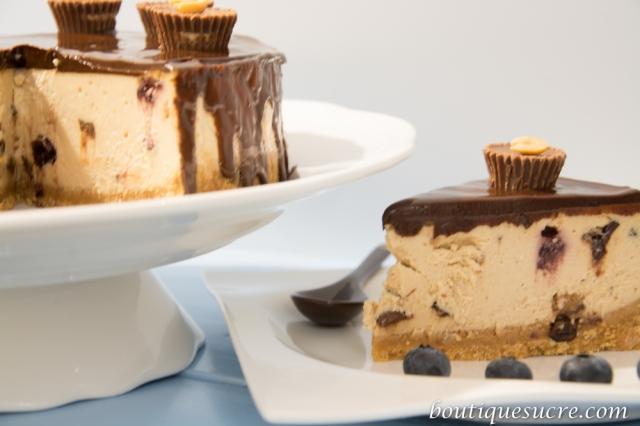 Cheesecake de Mantequilla de Cacahuetes y Arándanos.
