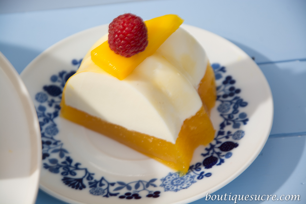 gelatina de yogurt natural con queso philadelphia